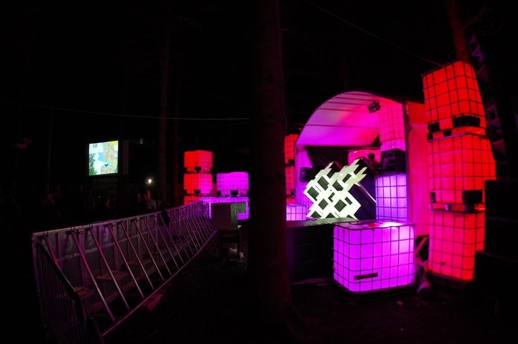 General Stage set up side profile (Eilis)
